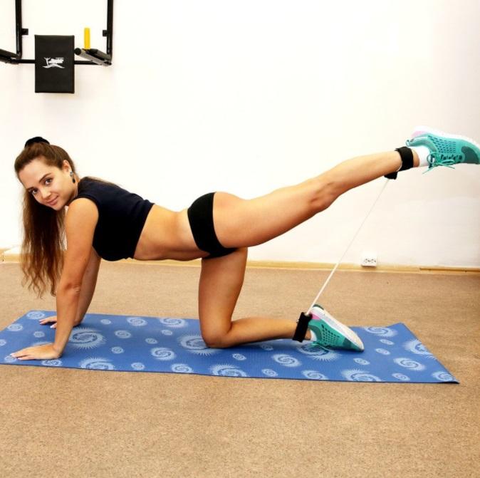 prostirka za jogu i fitnes
